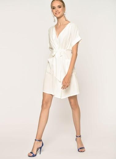 Loves You Düğmeli Beli Büzgülü Cepli Viskon Elbise Beyaz